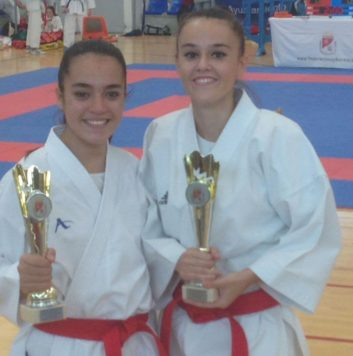 Rebeca Rodríguez y Daniela Sánchez campeonas regionales de kárate 0 (0)