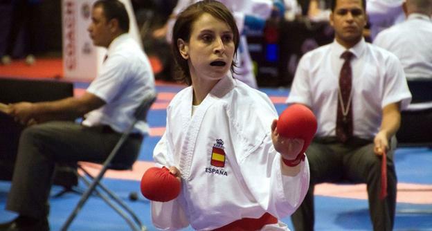 Nadia Gómez primera mujer en conseguir un oro en el Mundial sub 21 de karate en modalidad kumite