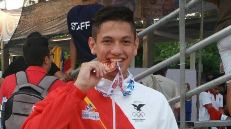 Bolivia logra medalla de bronce en karate