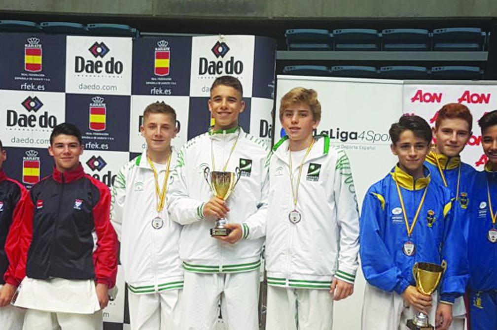 Dos bronces para los karatecas andaluces 0 (0)