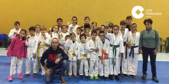 El Club de karate CID consigue catorce podios en el Campeonato Valle del Ambroz 0 (0)