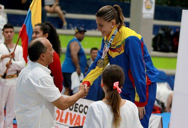 Abanderada Marianth Cuervo se bañó de oro en los Juegos Bolivarianos Santa Marta 2017 0 (0)