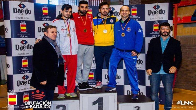 Raúl Cuerva conquista la medalla de oro en la Liga Nacional de Karate