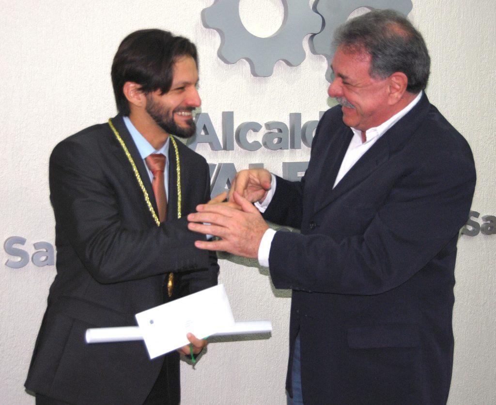 Alcalde Cocchiola condecoró al bicampeón Mundial de Karate, Antonio Díaz