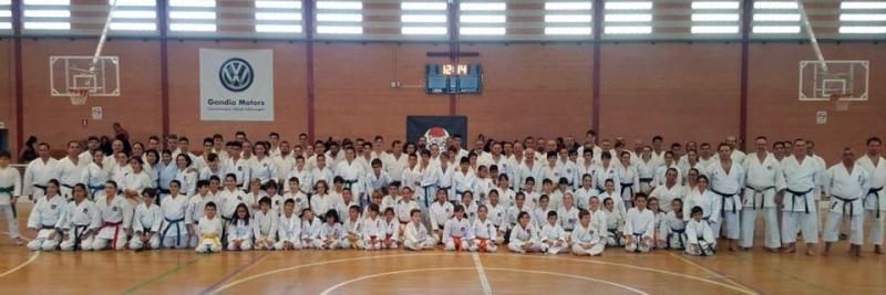 Gandia acogió el domingo un curso de kata