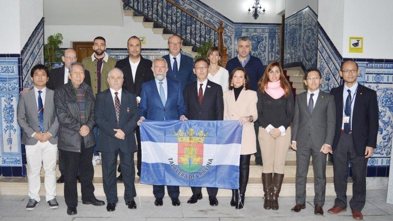 Talavera recibe a una delegación japonesa para tratar acuerdos comerciales 0 (0)