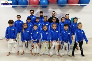 El club utrerano de kárate On Sport consigue 17 medallas en el Campeonato infantil de Sevilla