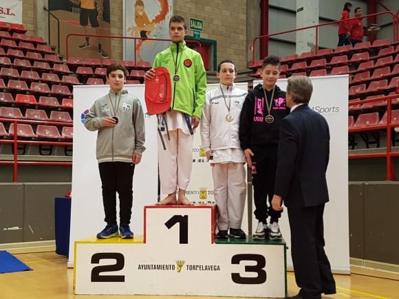 El lojeño Daniel Díaz Olid obtiene la medalla de plata en la I Liga Nacional de Kárate