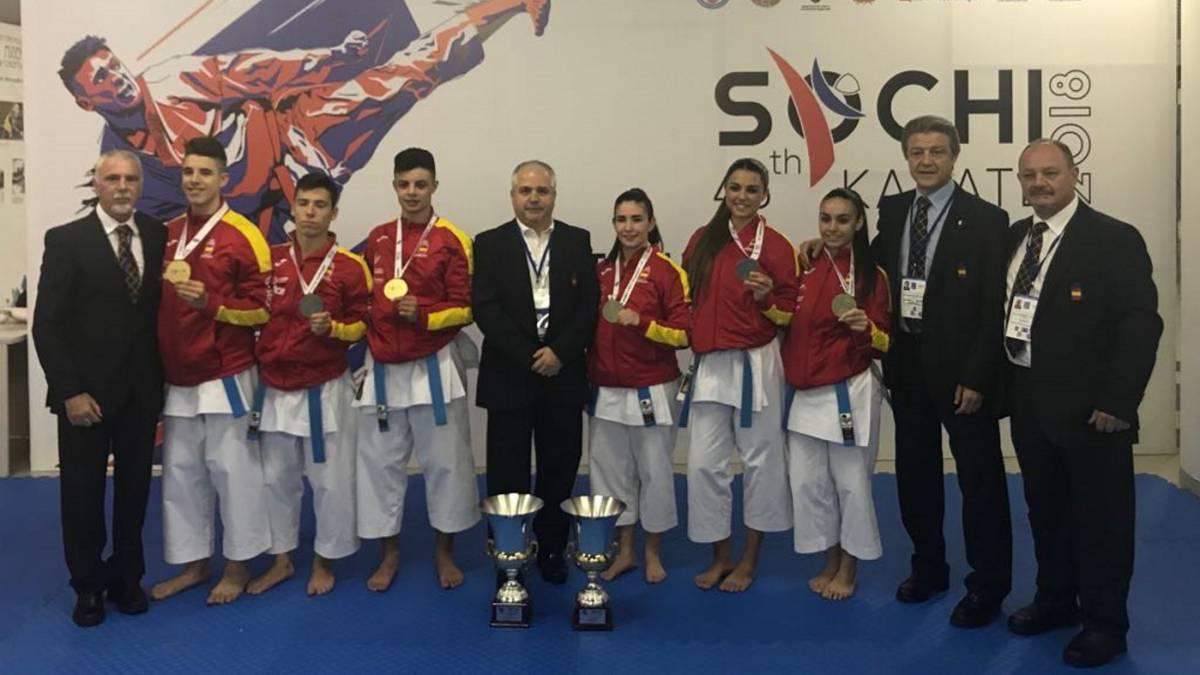 Los dos equipos de katas, campeones de Europa en Sochi