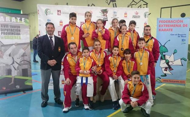Castilla y León, tercera en el torneo internacional de Cáceres 0 (0)