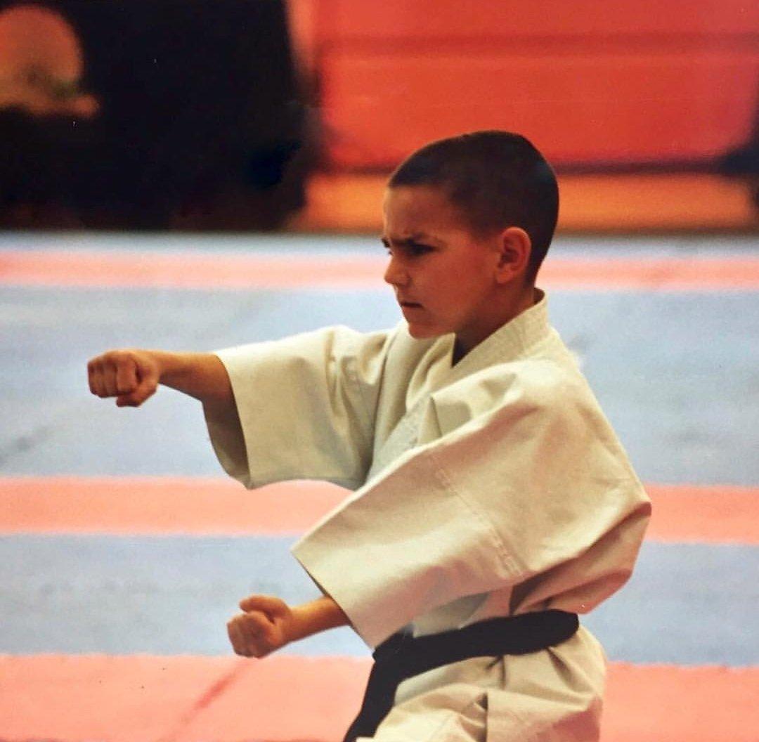 """La lección de Damián Quintero, campeón mundial de kárate, a papás y mamás: """"Es fundamental no agobiar a los niños"""""""