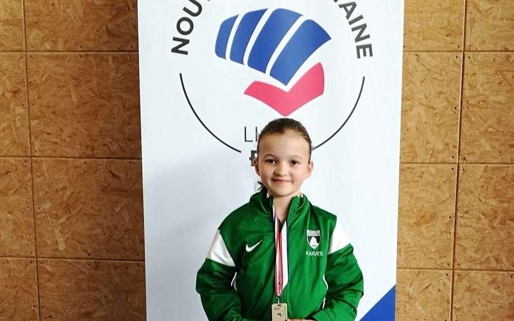 Sección de Karate Paloise: Elina campeona regional 0 (0)