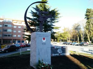 Inaugurada la escultura-homenaje a Javier Domínguez Villahoz