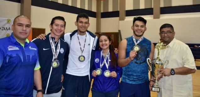Karatecas salvadoreños terminan en el tercer lugar de la Copa Kume