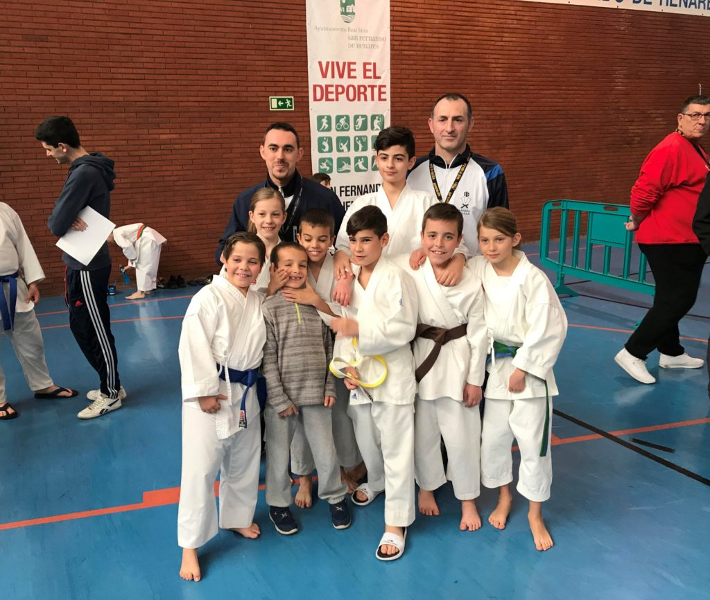 El karate velillero sigue sumando éxitos