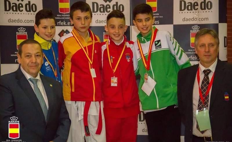 Rafael Gómez Djorgevich, medalla de oro en kumite juvenil