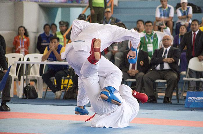 Agustín Farah se colgó la de bronce en karate 0 (0)