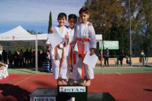 Los karatecas del Club Bushido lograron 21 medallas en el Trofeo Promoción de la Diputación celebrado en Istán