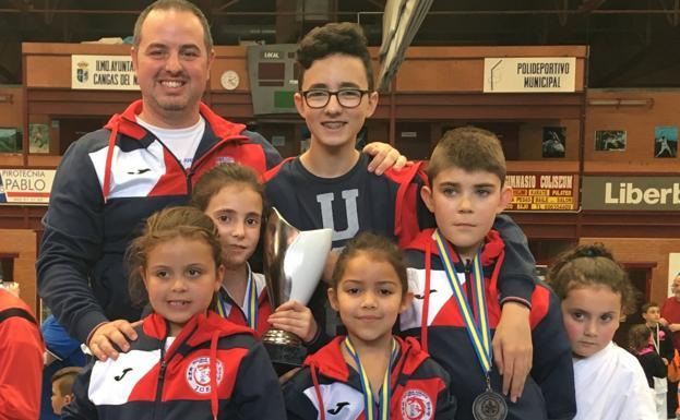 Medallas para los equipos de la comarca en el Trofeo Villa de Cangas 0 (0)