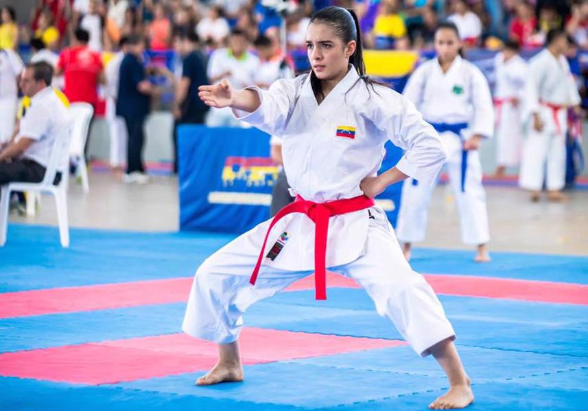 Andrea Armada consiguió medalla de plata en la modalidad de Kata adulto 0 (0)