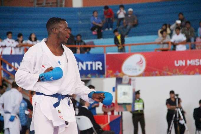 Franklin Mina ganó medalla de oro en torneo de karate en Finlandia