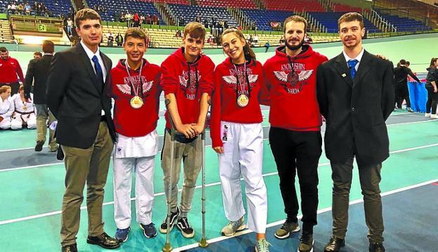 Oro para Ane García y Iosu Madinabeitia en el Campeonato de Euskadi de Karate