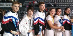 """El Club de Karate """"Jasbudo Laguna"""" consigue 4 medallas en el Campeonato Regional cadete, Junior y Sub 23"""