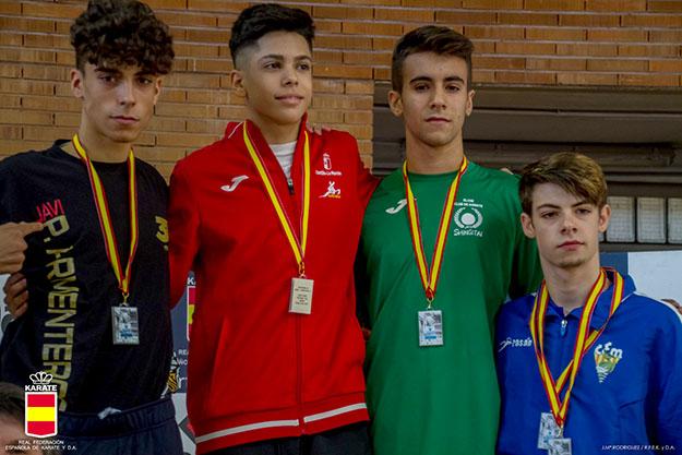 El talaverano Víctor Cuerva, oro en la Liga Nacional de Kárate