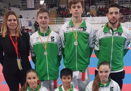 Seis medallas en el Campeonato Español de Kárate