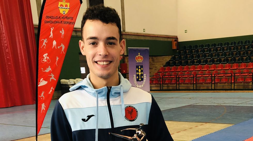 Eros Silvent, del Akai Ryu de Negreira, subcampeón gallego de kárate 0 (0)