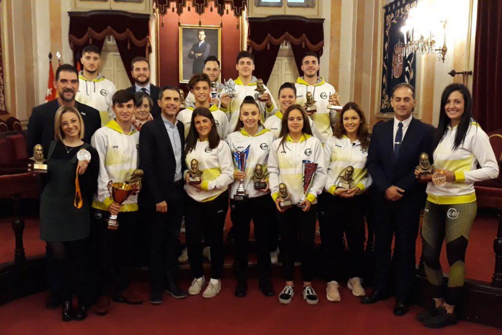 Homenaje de la ciudad a los deportistas del Club Kárate Antonio Machado