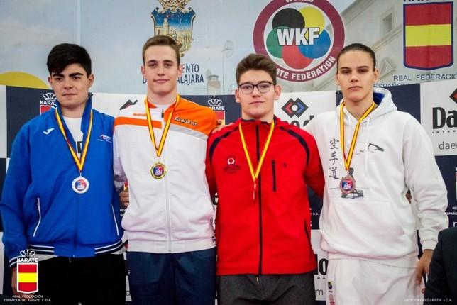 Dos bronces en la final de la Liga Nacional de karate