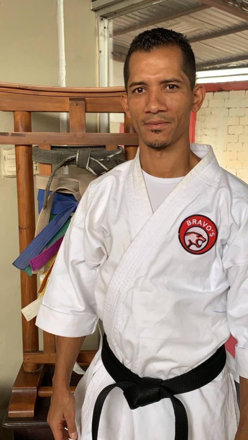 Un técnico venezolano de karate se une a las selecciones de Guayas