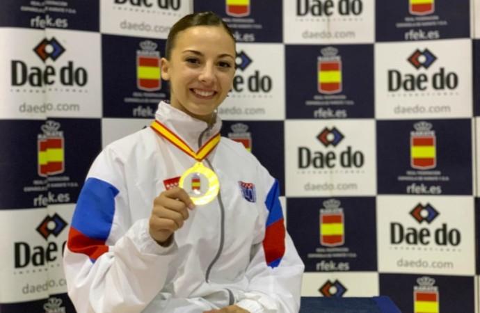 Lidia Rodríguez, campeona de España de karate en kata por equipos