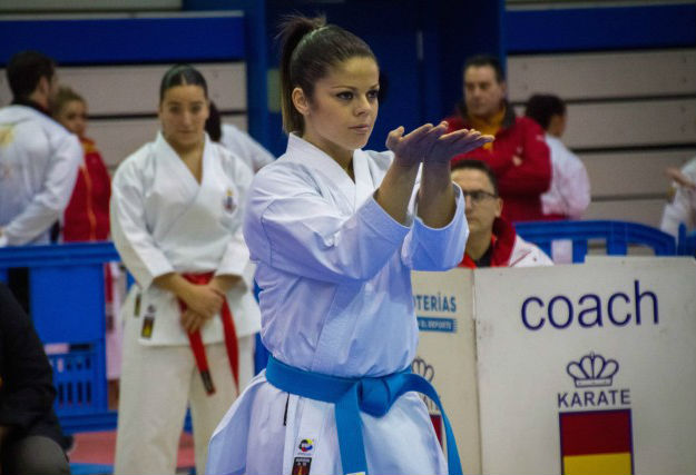 La karateka alcalaína Paula Rodríguez tercera de España en katas 0 (0)