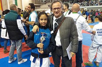 Irene Doce Orihuela, del gimnasio Isla Caribe, fue tercera en el Campeonato de Andalucía de karate