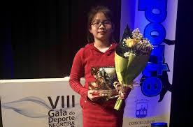 Le Zhou y Nicolás Carnota, de la Escuela de Karate Akai Ryu, reciben premios de deportistas promesa en la VIII Gala del Deporte de Negreira 0 (0)