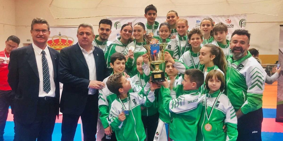 Dos medallas de plata y dos de bronce para la Escuela Municipal de Karate