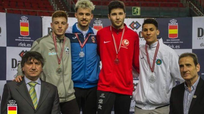 Xavier Santos gana el oro en la Liga Nacional de Kárate Júnior y Sub-21