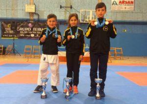 El Club Kime de Boo de Piélagos suma 10 medallas en el IV Trofeo de kárate de Astillero
