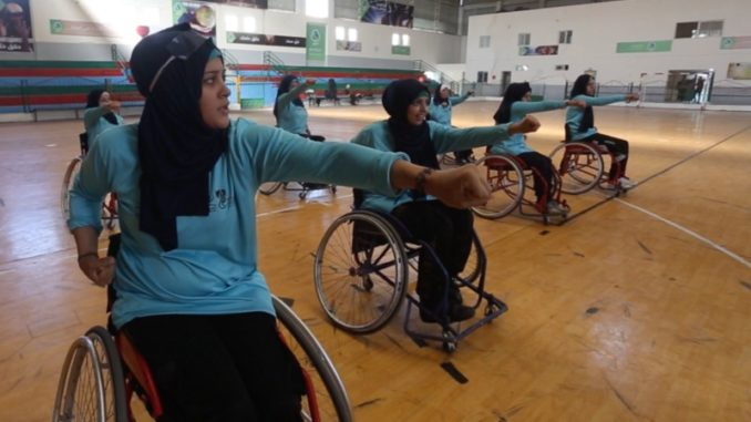 Conoce a las mujeres del equipo de karate en silla de ruedas de Gaza