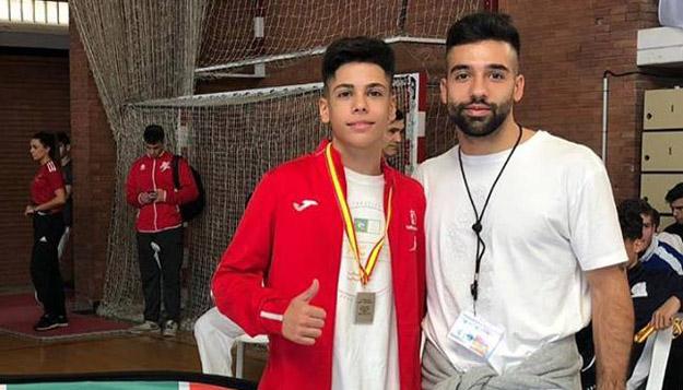 Los talaveranos y hermanos Cuerva, con la selección nacional de Karate 0 (0)