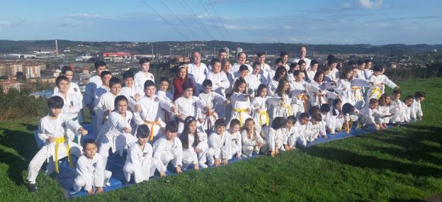 El Club Kárate Avilés continúa su expansión por la comarca