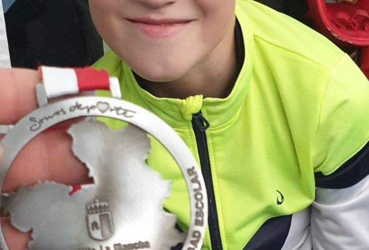 El joven karateka del CD Karate Tarancón, Emanuel Balint, subcampeón Regional Kumite