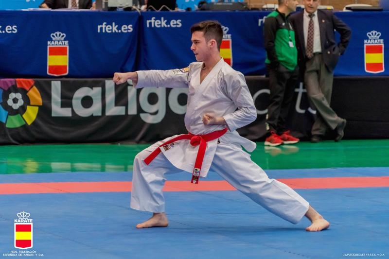 El karateca cordobés Juanmi Osuna se cuelga el bronce en la liga nacional de Karate