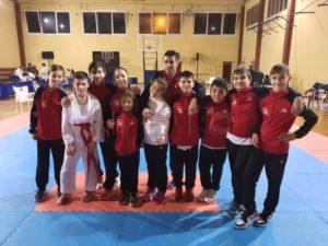 El karate ha reanudado los entrenamientos presenciales en el gimnasio