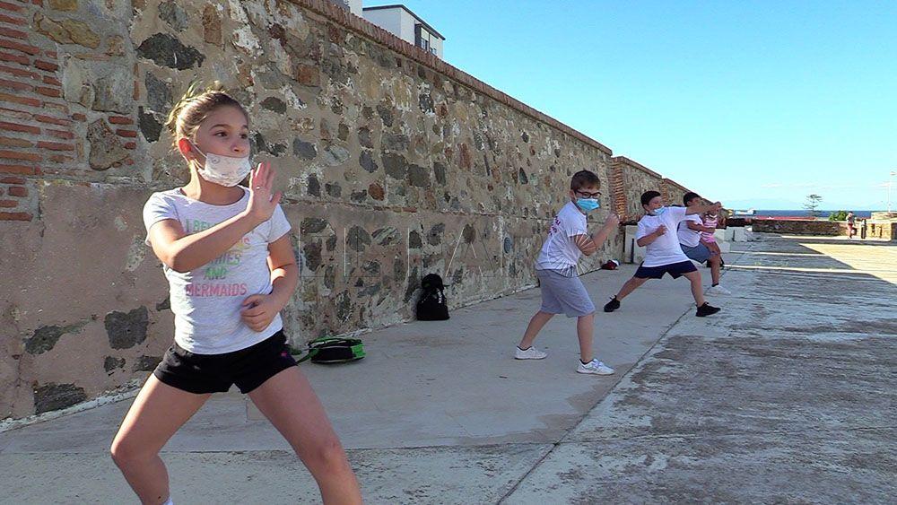 El Club Sepai realiza un entrenamiento al aire libre en las Murallas Reales