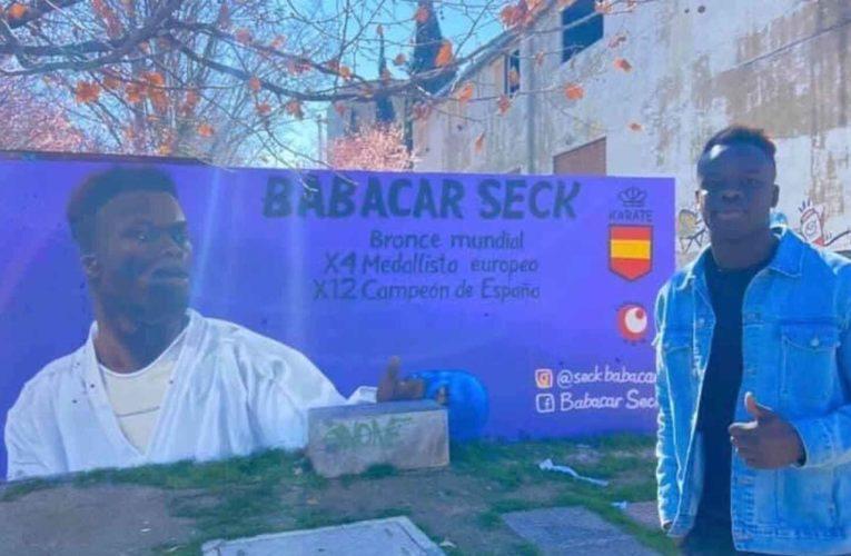 Ataque racista al karateca español Babacar Seck: aparecen esvásticas en su mural de homenaje 0 (0)