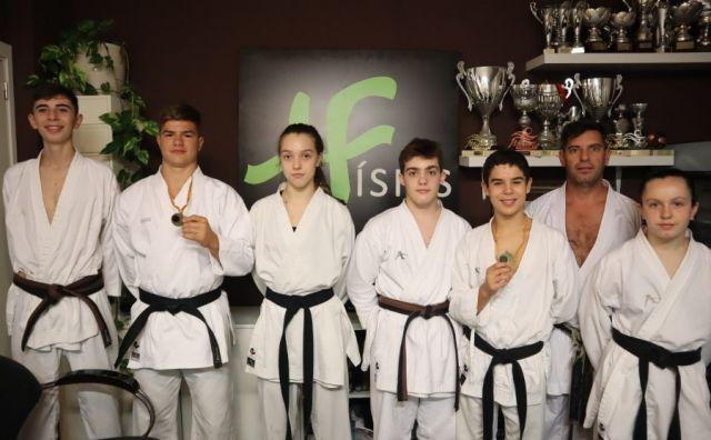 El Físics sigue a buen nivel con las competiciones de karate