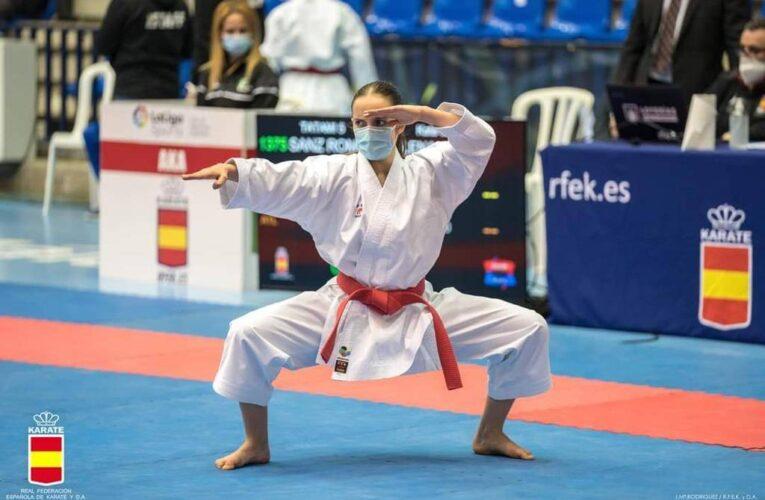 Los herrereños Elena Sanz e Ismael Muñoz de la Flor han representado este fin de semana a la selección extremeña de Karate